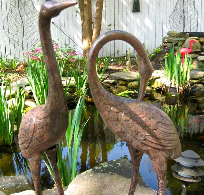 Heron statue pair 26 tall aluminum w iron base for Garden pond ornaments