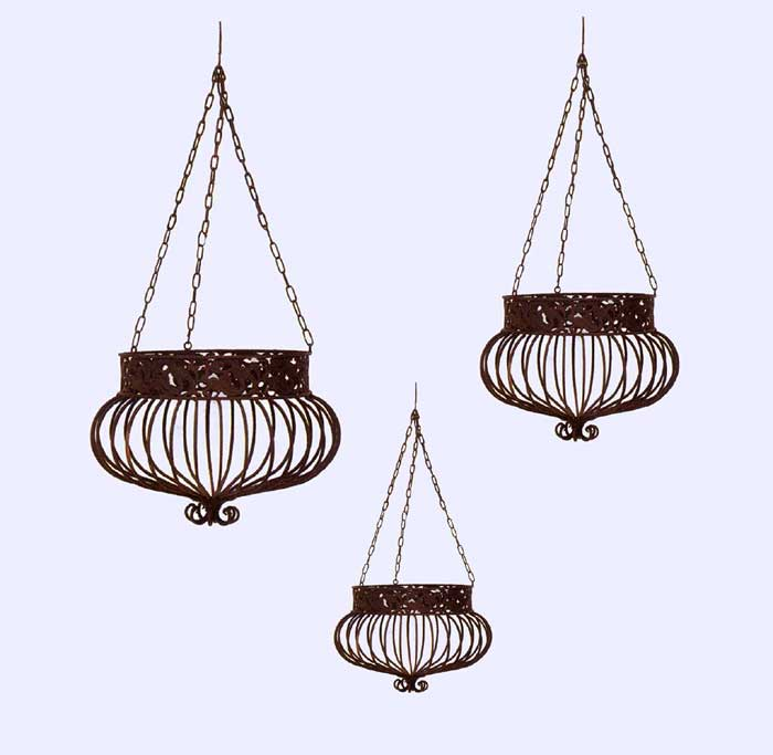 Set of 3 victorian hanging planters wrought iron rust ebay - Metal hanging planter ...