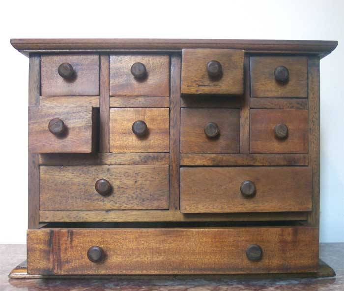 small 11 drawer spice jewelry chest mahogany finish ebay. Black Bedroom Furniture Sets. Home Design Ideas